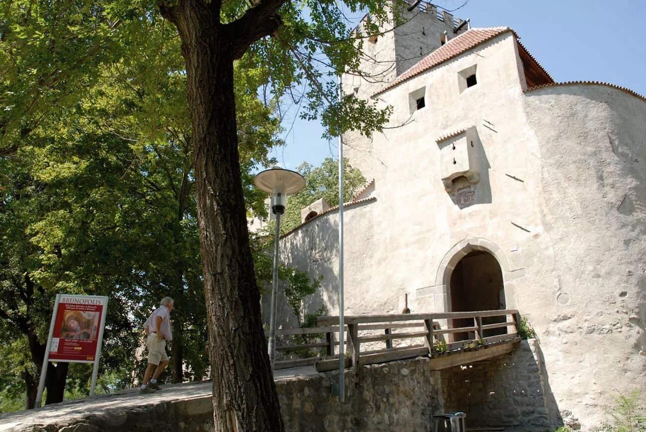 Stadt Bruneck mit RIPA (MessnerMountainMuseum Bergvölker)